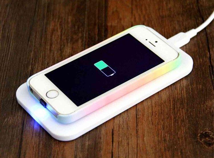 Hamarosan érkezhetnek a vezeték nélküli Apple töltők